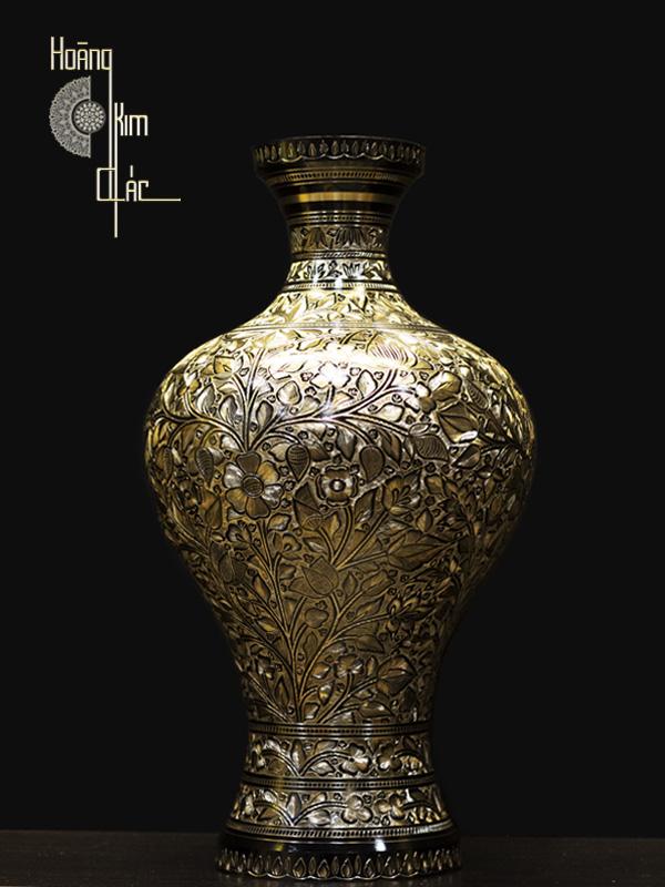 Bình hoa bằng đồng thau nghệ thuật